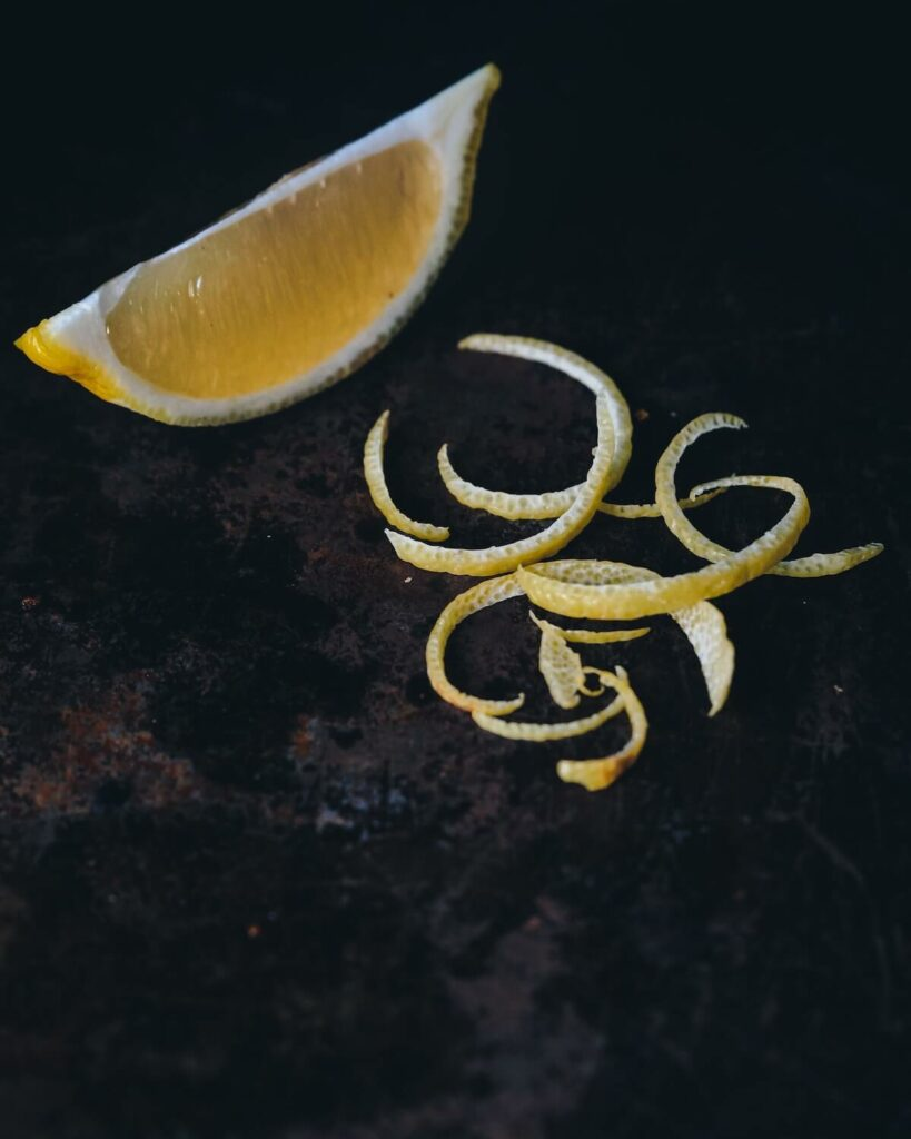 how to get rid of cooking smells in small apartment - boil citrus peel