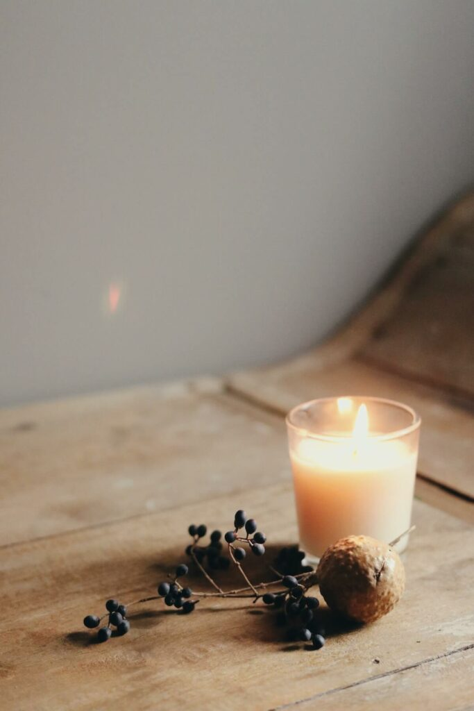 how to get rid of cooking smells in small apartment - scented candles